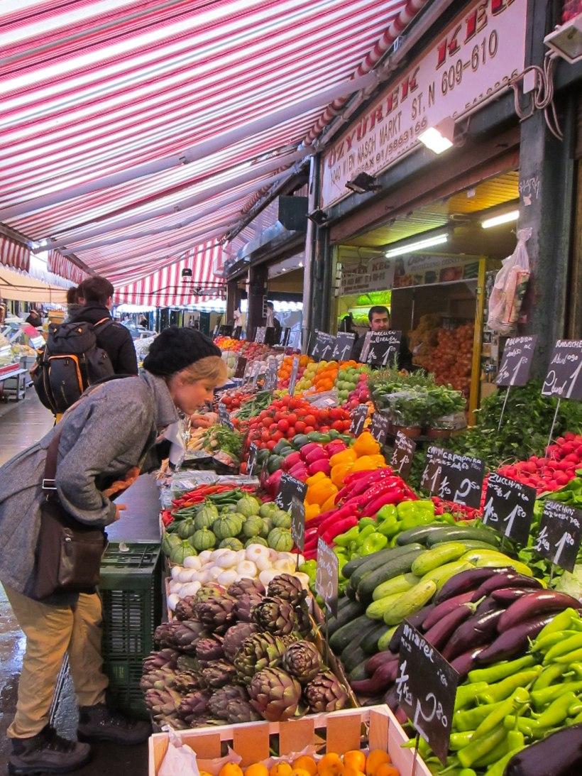 Mum shopping in Naschmarkt